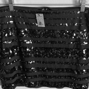 EXPRESS SEQUIN MINI SKIRT  Sparkle and shine